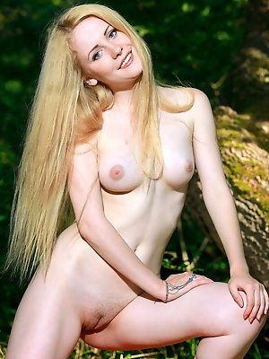 Fay Love is an outdoor loving babe who loves baring her sensuous body under the sun, her smooth, porcelain skin glowing, with sweet puffy pink nipples
